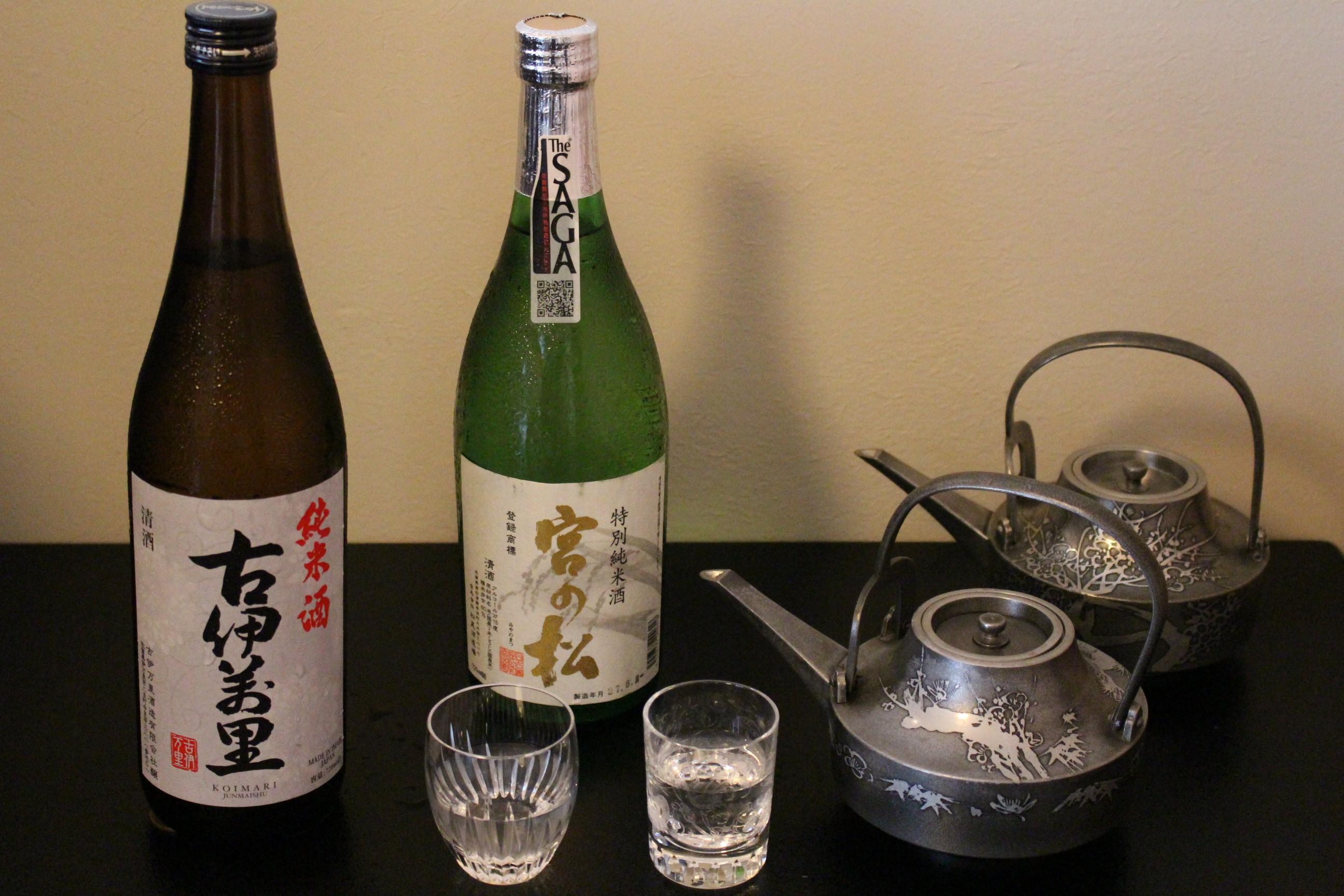 日本酒も辛口を中心に各種揃えておりますので、料理と共にお楽しみいただけます。